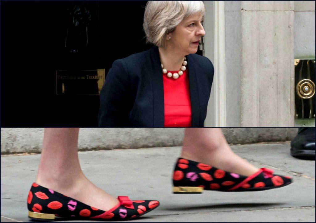 buzz uk les chaussures de theresa may au coeur de toutes les attentions photos barlamane. Black Bedroom Furniture Sets. Home Design Ideas