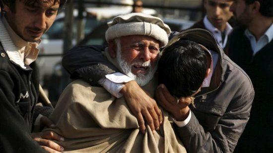 160119_hk99w_proches-victimes-pakistan_sn635