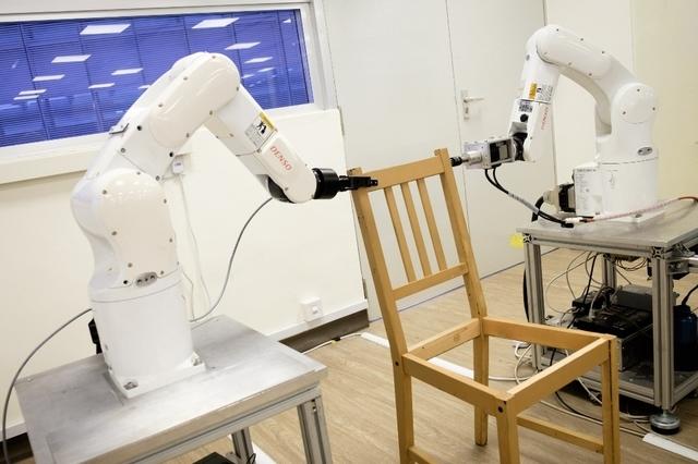 singapour un robot monteur de meubles barlamane. Black Bedroom Furniture Sets. Home Design Ideas