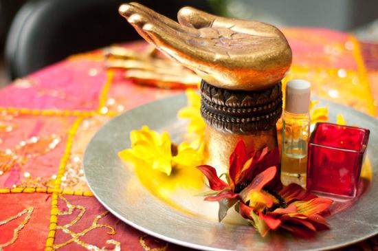 تستخدم المغربيات ماء الورد لتصفية البشرة والحفاظ على رائحته الزكية