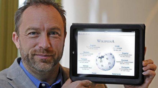 """مؤسس """"ويكيبيديا"""" ينصح الصحفيين بعدم الاقتباس منها ويرفض تدخل الحكومات في  تحرير محتواها"""